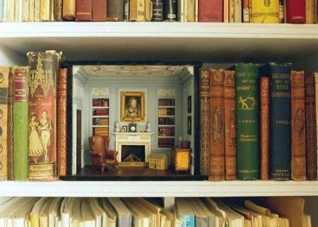 miniature-library-in-a-bookshelf